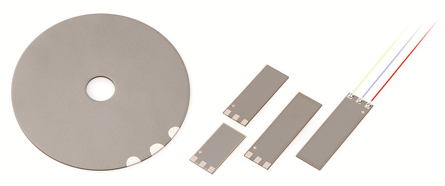 Multilayer contracting plates can be manufactured in a variety of shapes, e.g., square- or disc-shaped, and are available onrequest. These plates can be applied for example, to metal or silicon substrates, in order to realize bender or pump elements with low control voltages.