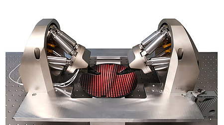 FMPA 6-axis double-sided wafer probing configuration. (Image: PI)