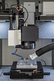 Multi-axis setup comprising linear stages from PI and a galvanometer scanner from SCANLAB for laser marking of scales