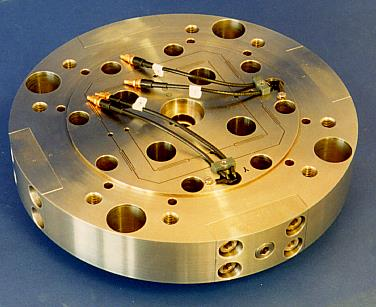 PI has been supporting the machine tool industry for decades. Early design of a custom piezo XY nanopositioning tool for precision turning applications.